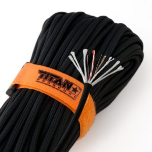 TITAN Survival SurvivorCord Military 550 Paracord with Integrated Fishing Line, Fire-Starter, and Snare Wire паракорд для туризма, путешествий, выживания, цвет черный